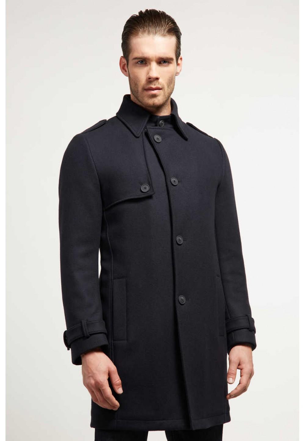 Пальто черное с карманами