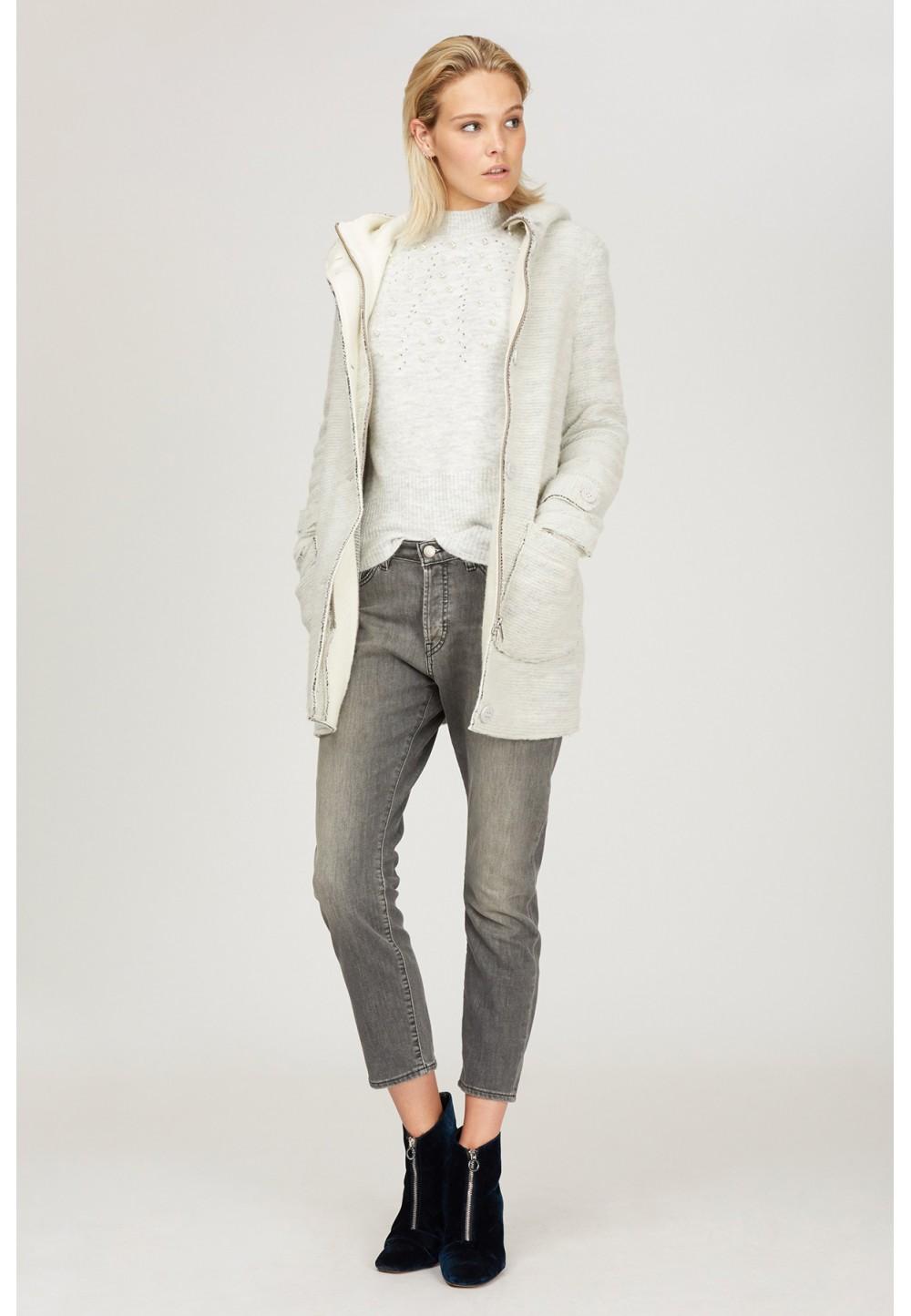 Пальто белое с капюшоном