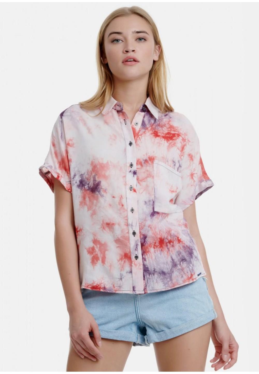 Яркая летняя рубашка