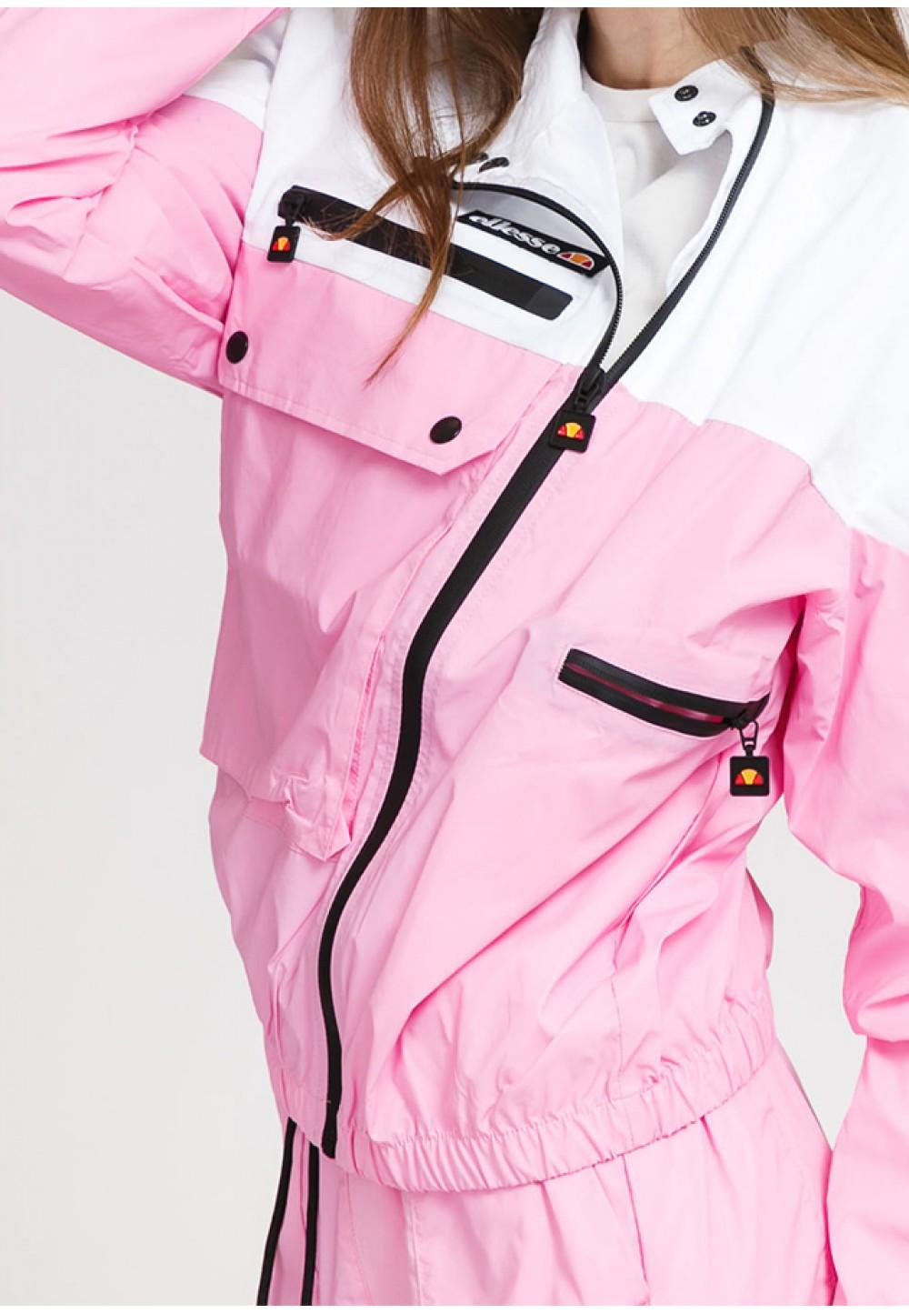 Яркая ветровка розового цвета
