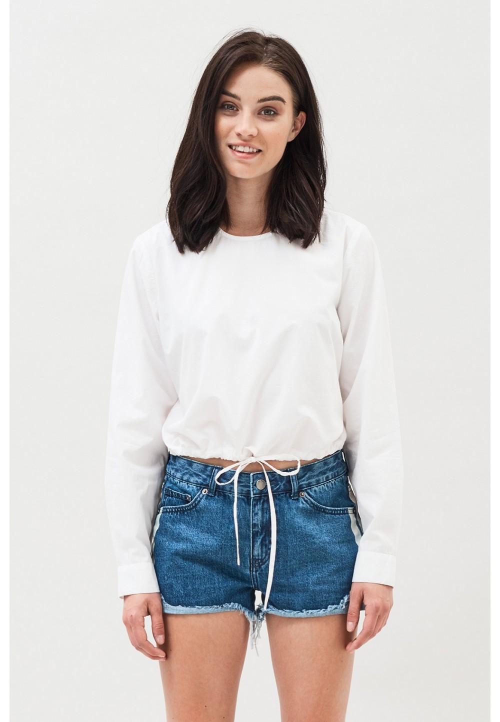 Укороченная белая блуза