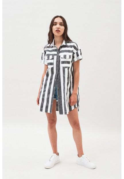 Короткое джинсовое платье в полоску
