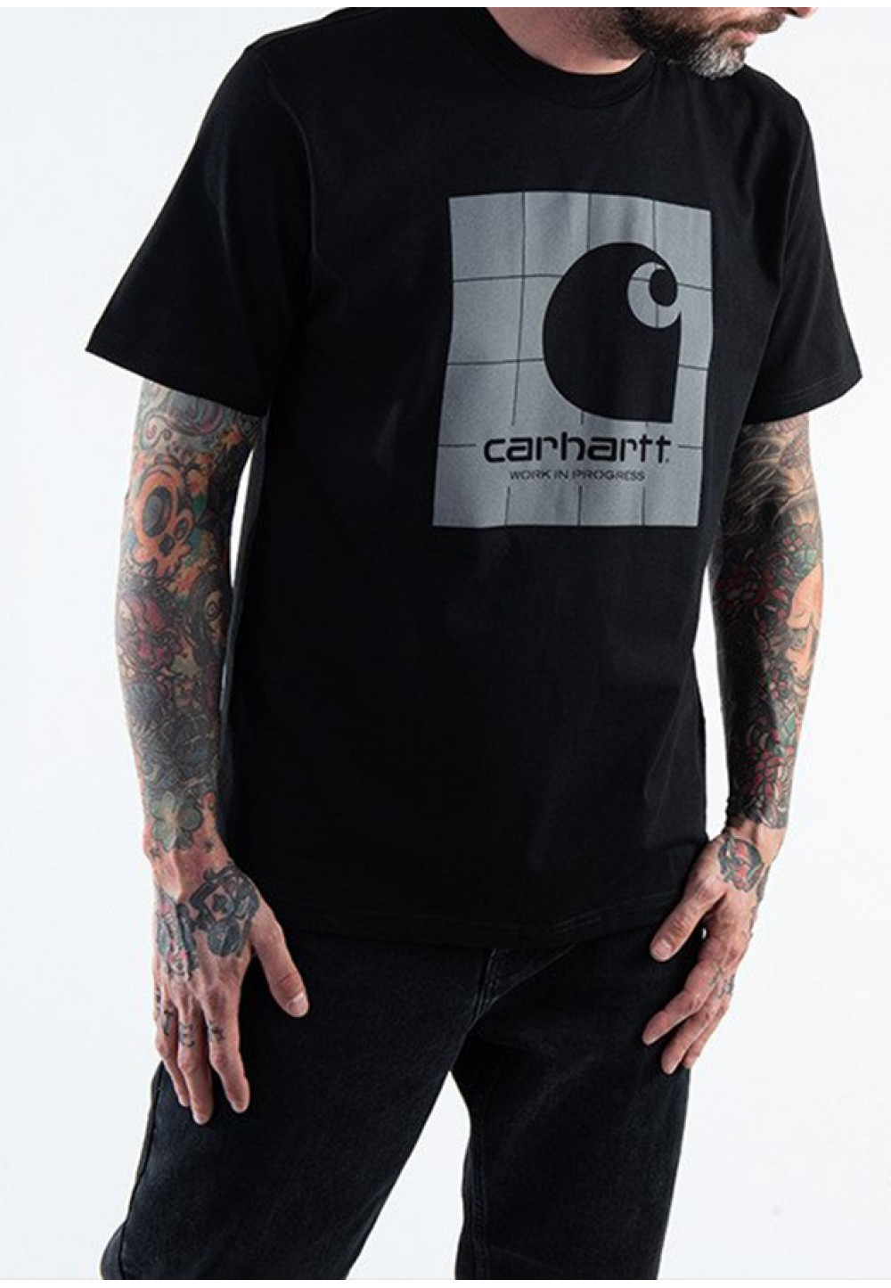 Чорна футболка з світловідбиваючим принтом