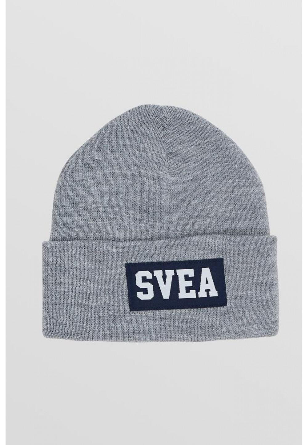 Серая шапка с логотипом