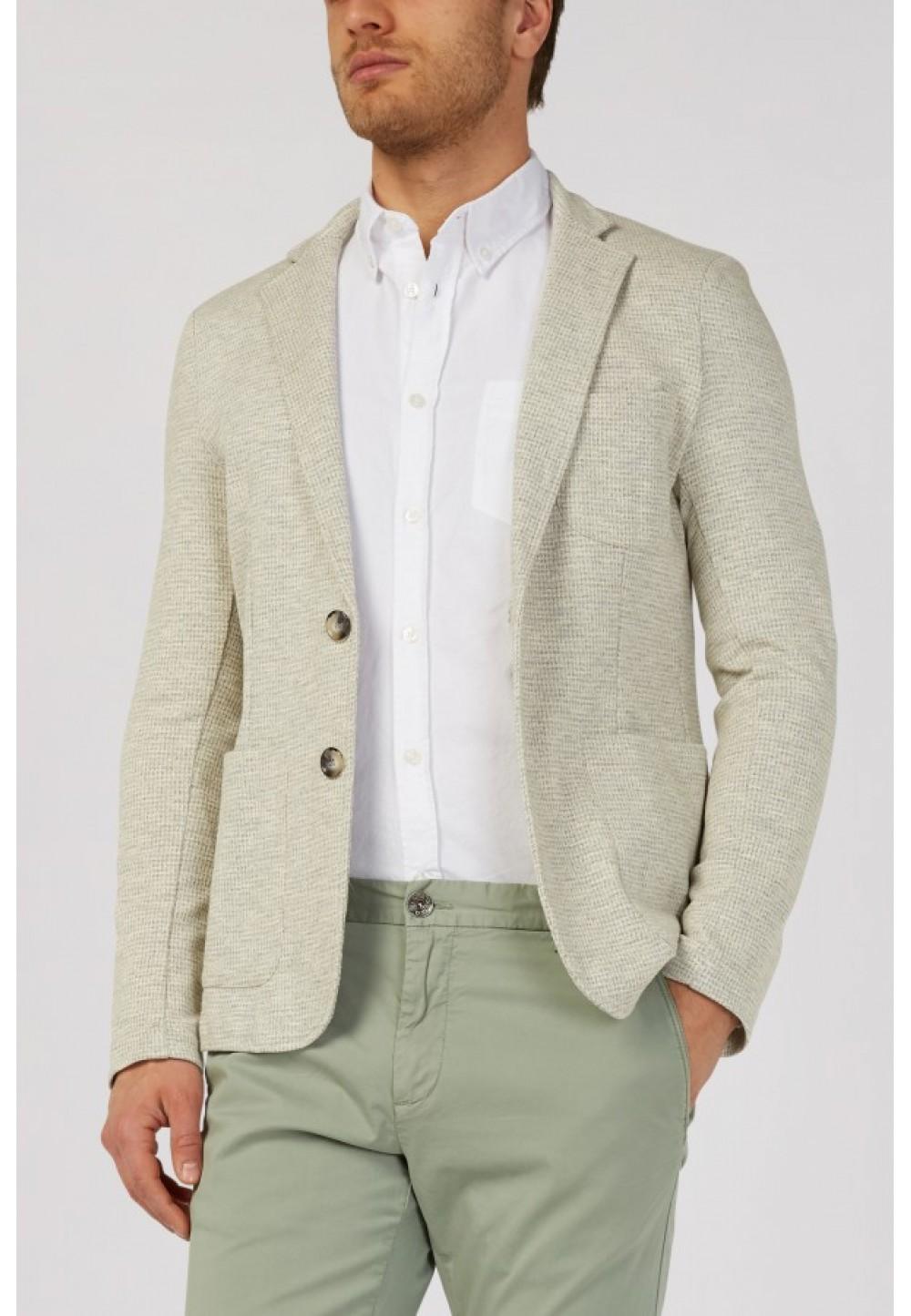 Серый пиджак с карманами