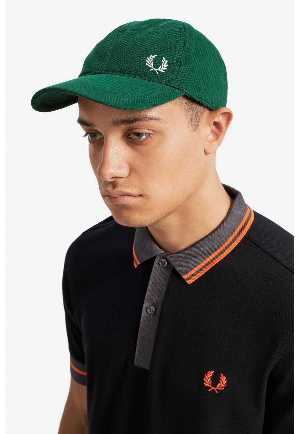 Бейсболка классическая зеленая