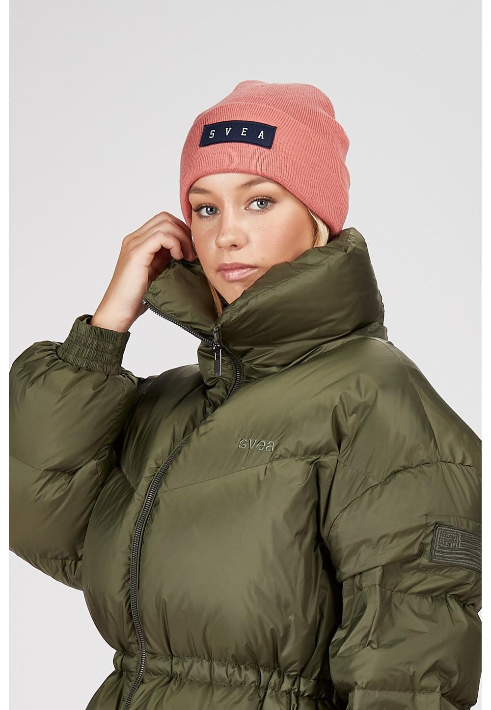 Стильна шапка від бренду SVEA