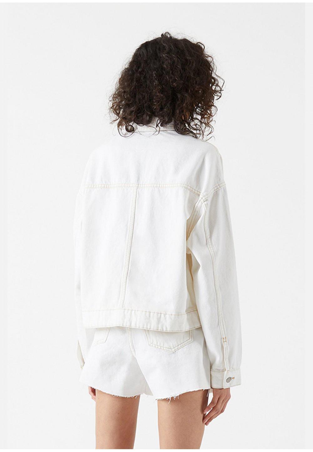 Білий джинсовий піджак