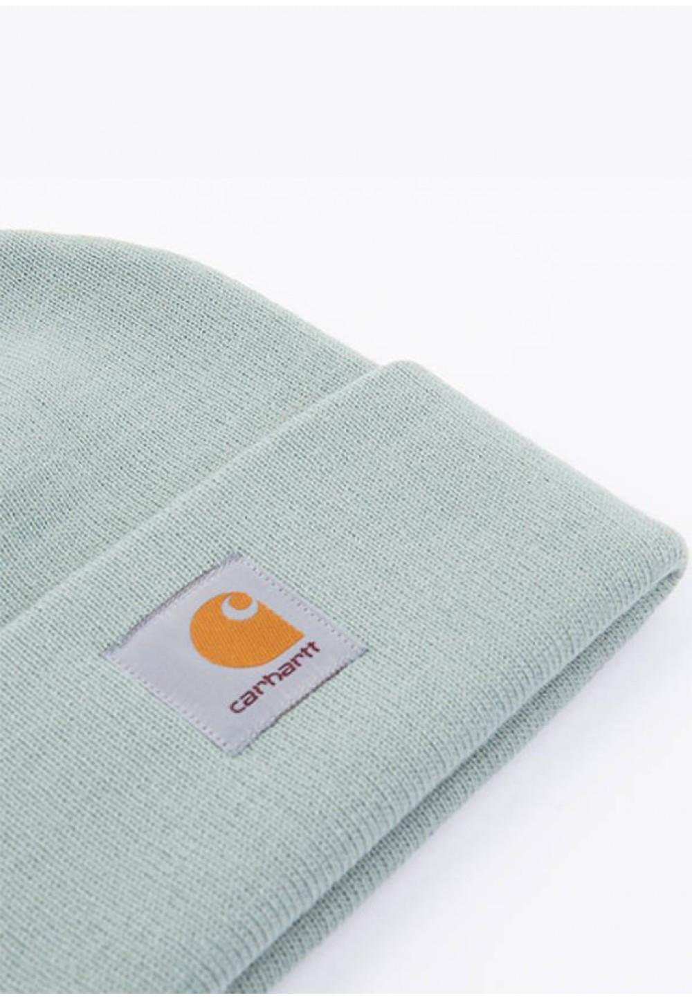 Стильная шапка с отворотом