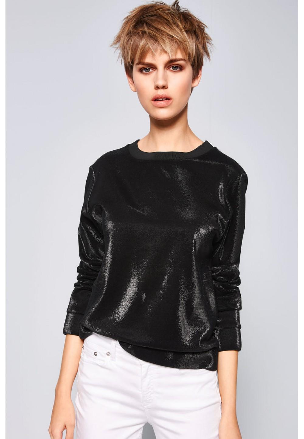 Черная блестящая блуза