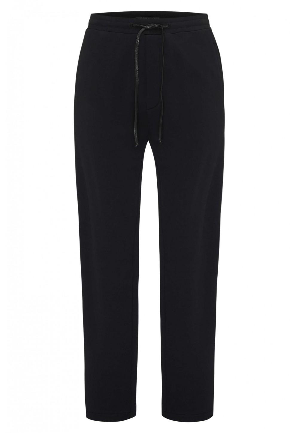 Черные брюки с эластичным поясом