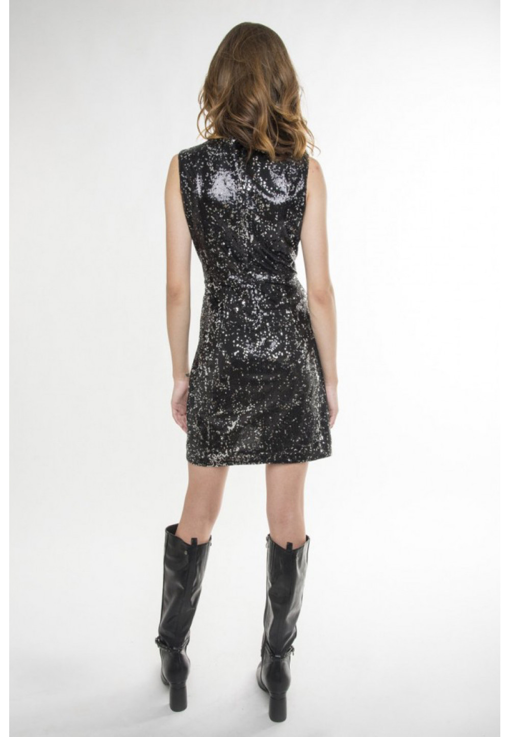 Черное блестящее платье