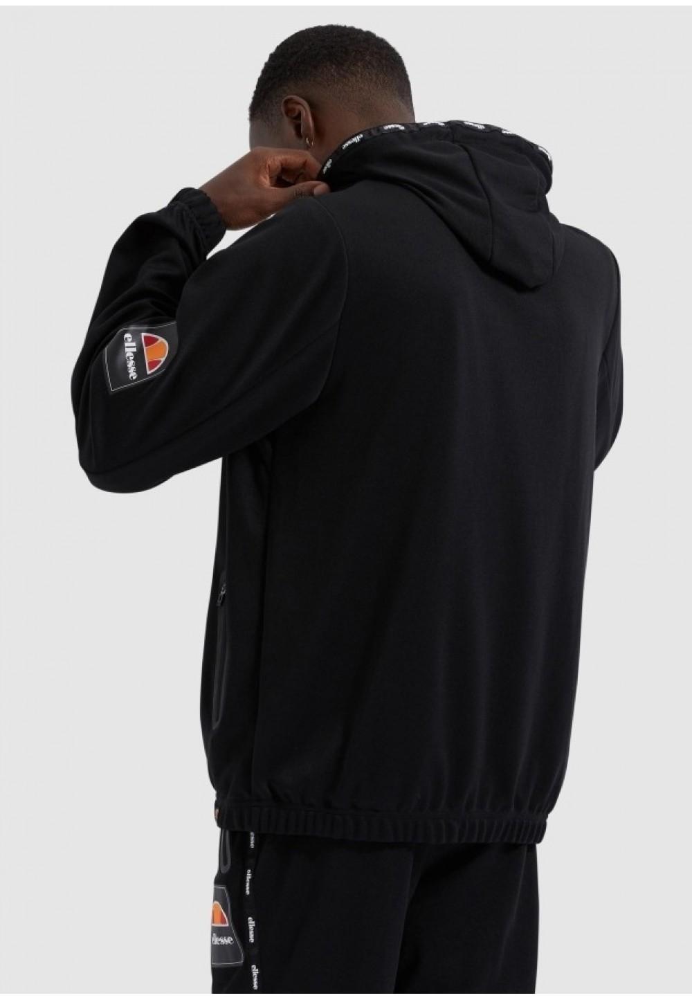Черная легкая куртка