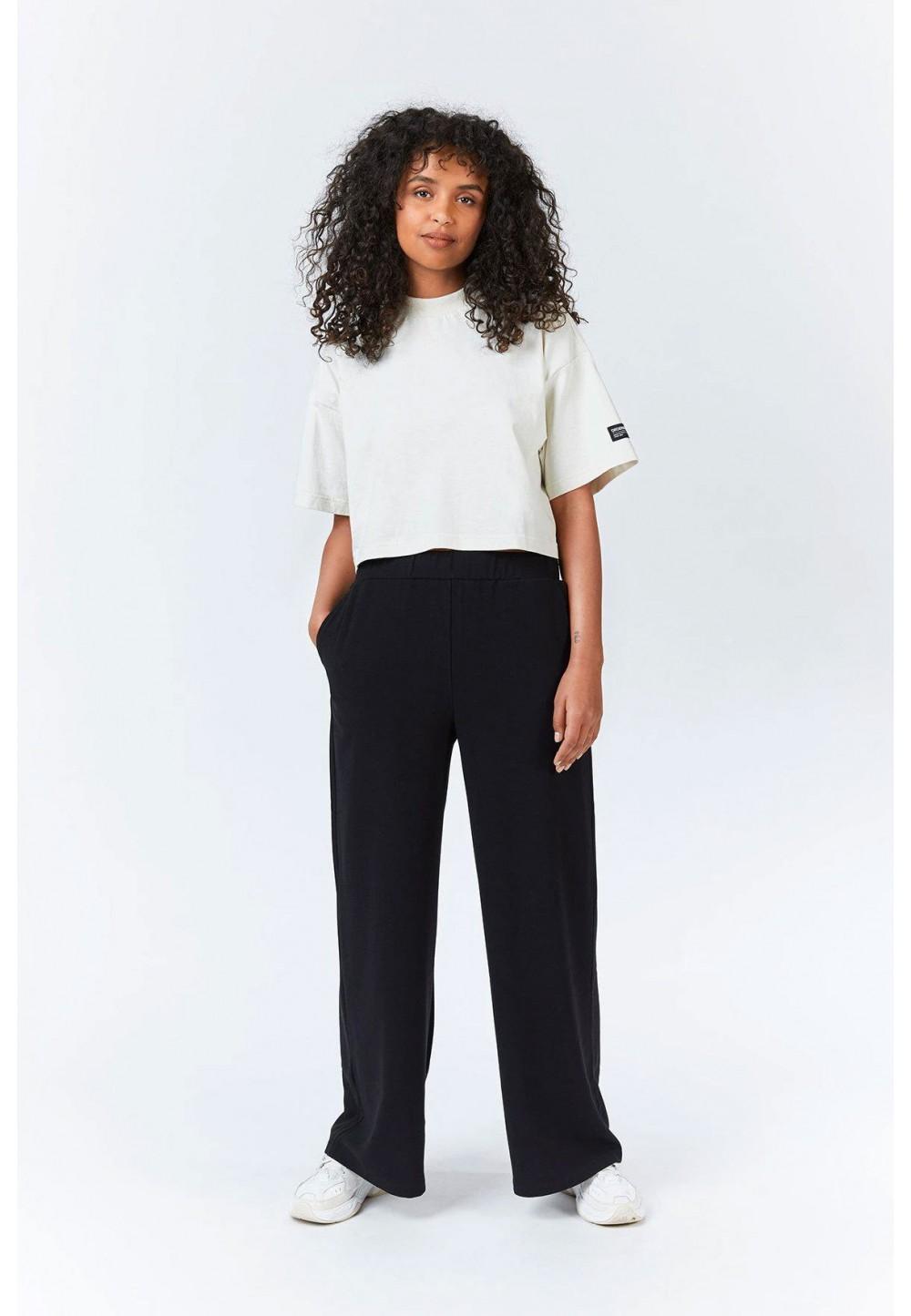Широкие черные брюки