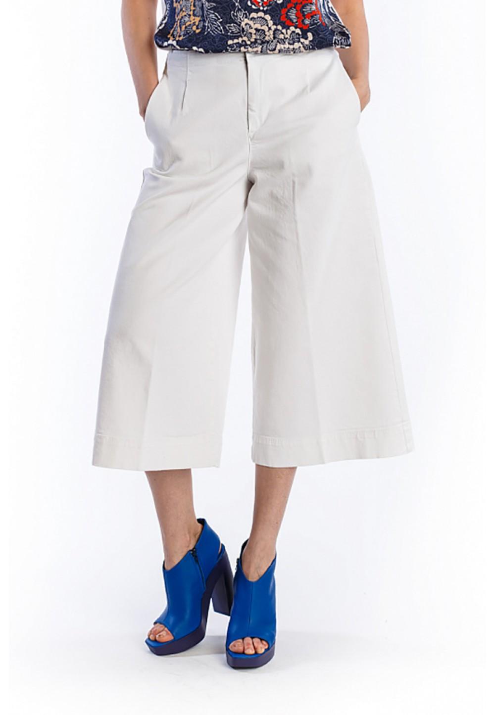 Широкие белые брюки