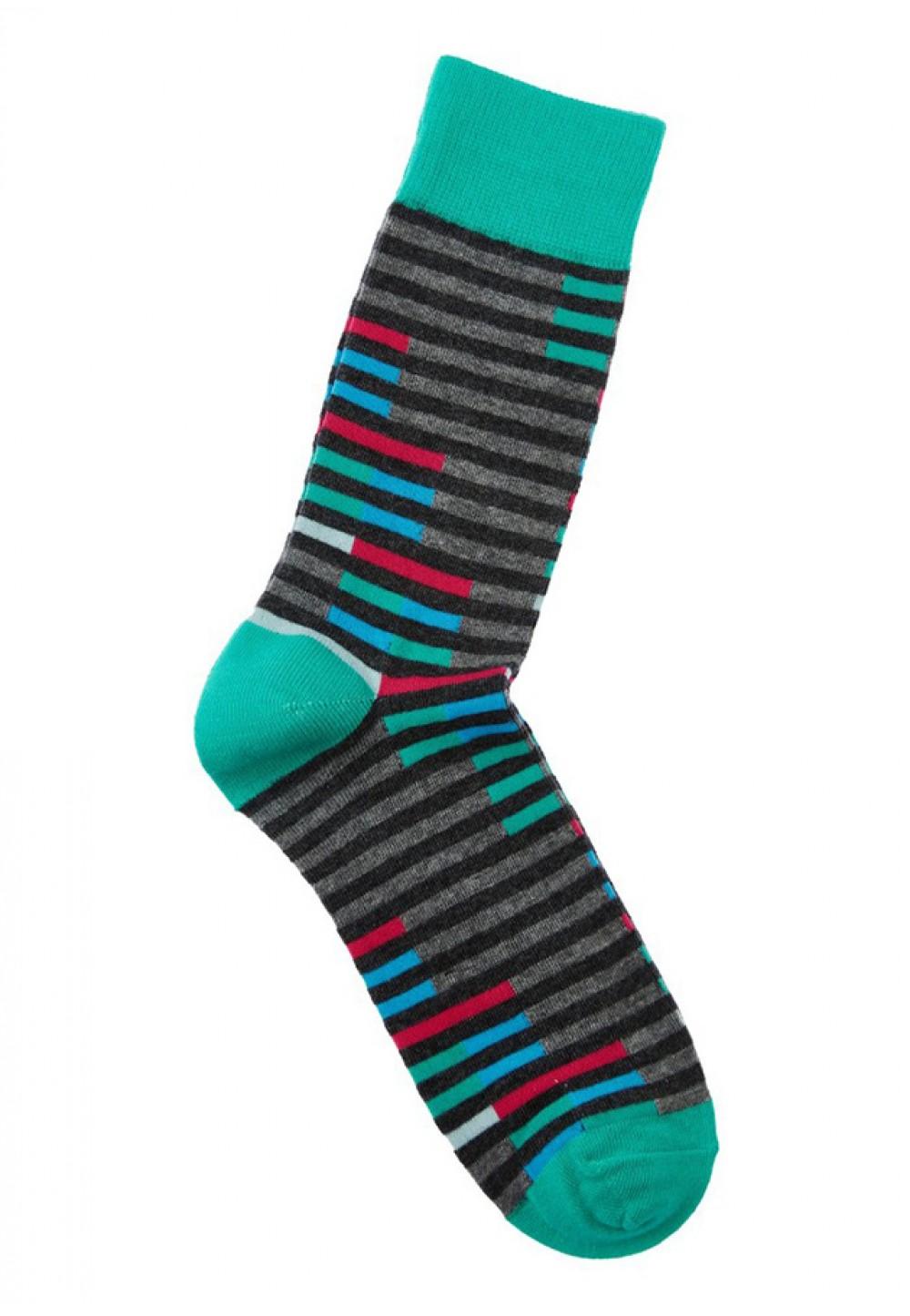 Високі смугасті шкарпетки