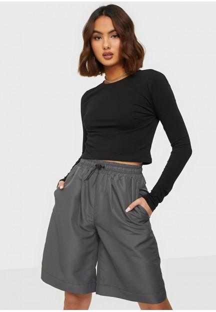 Широкие серые шорты