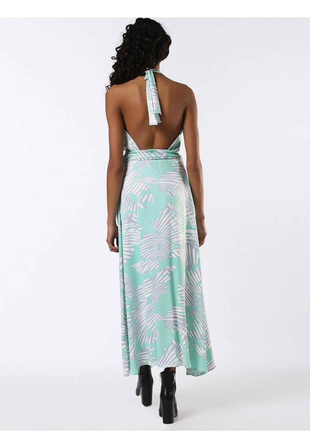 Легкое платье с V-образным вырезом