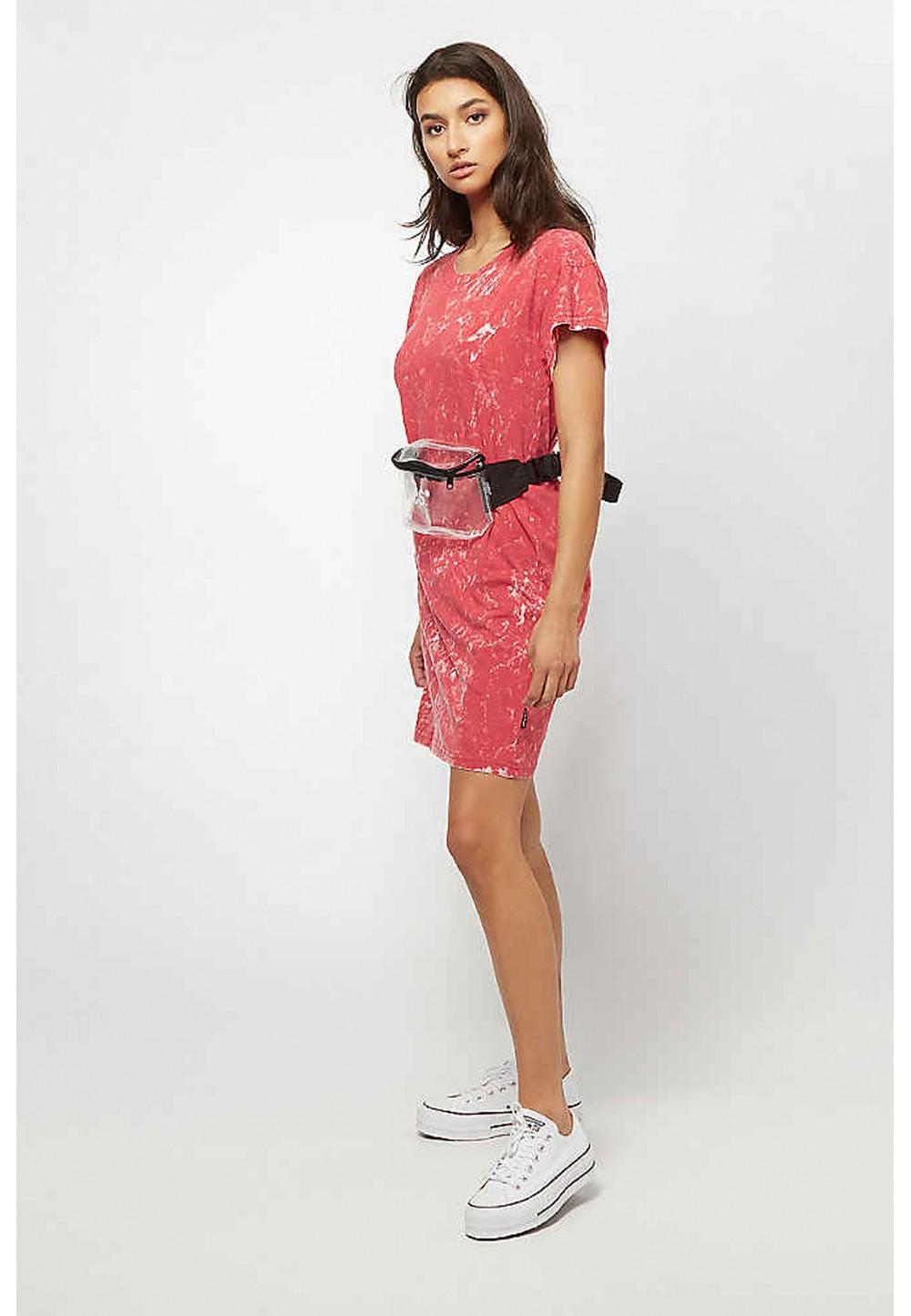 Платье красное с широкими рукавами