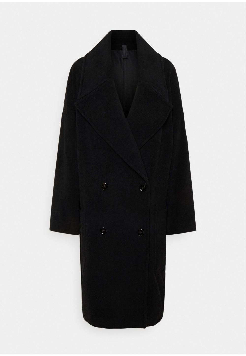 Классическое черное пальто oversize