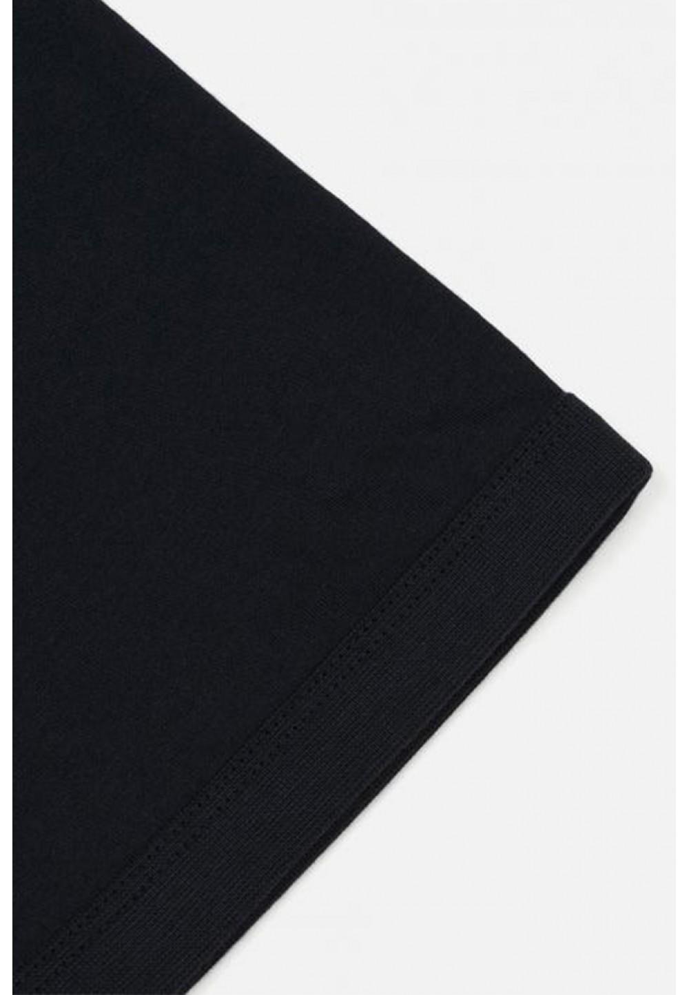 Классическая темно-синяя футболка