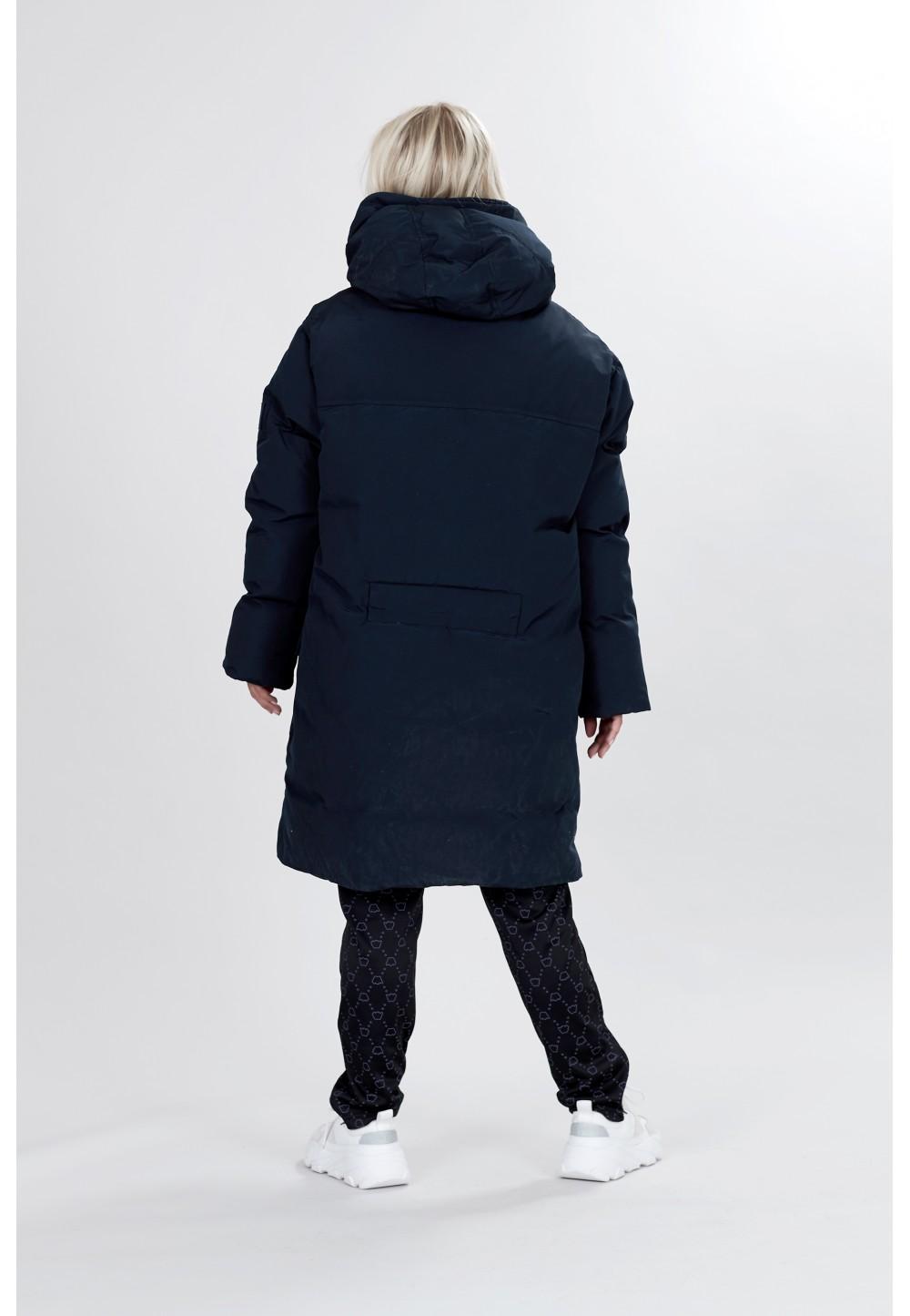 Длинная синяя куртка с капюшоном