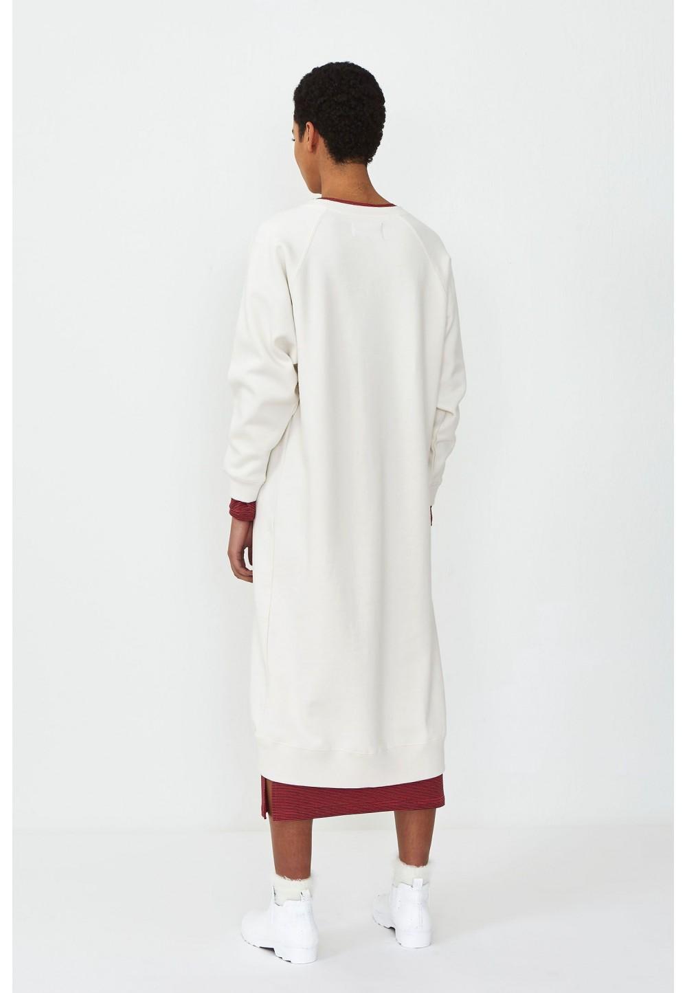 Флисовое oversize платье с принтом