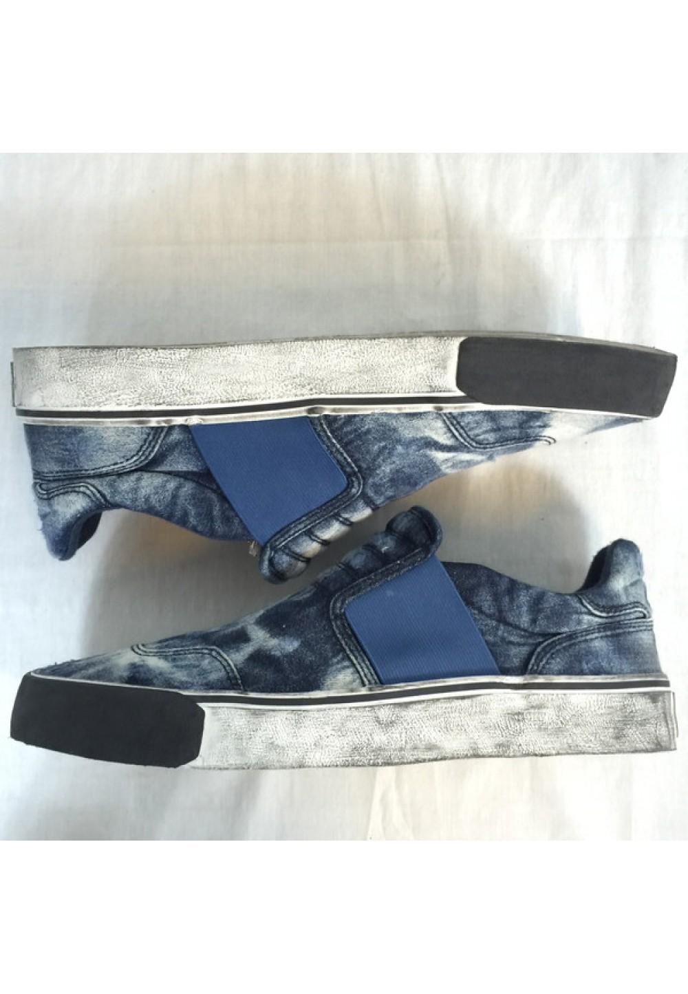 Слипоны из проваренной джинсовой ткани