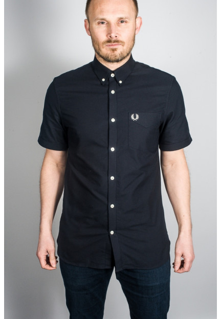 Чорна сорочка з коротким рукавом