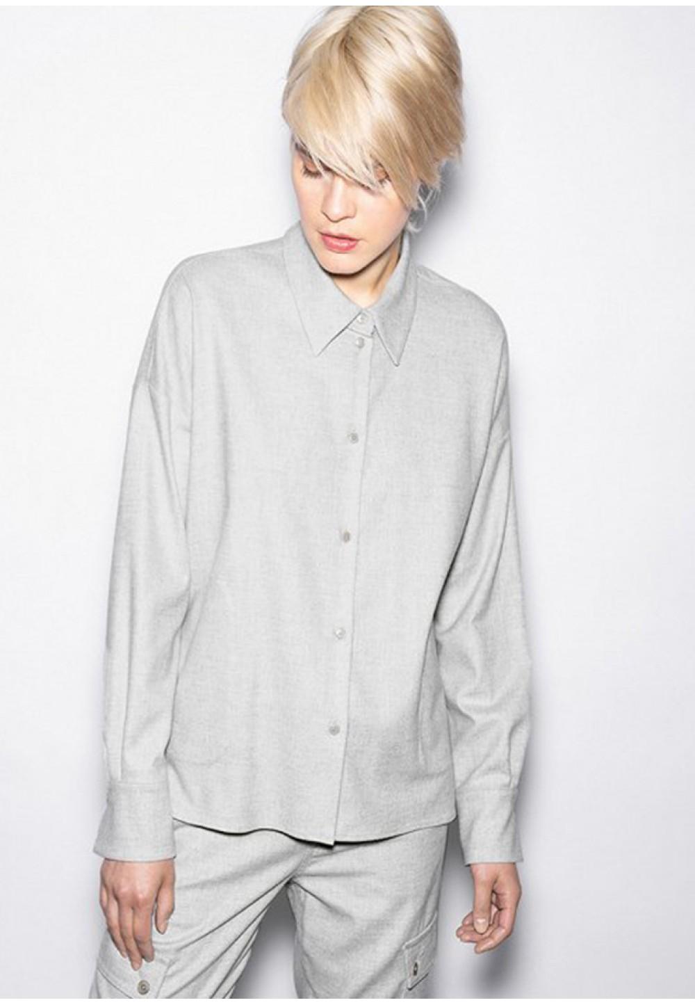 Серая рубашка с длинным рукавом