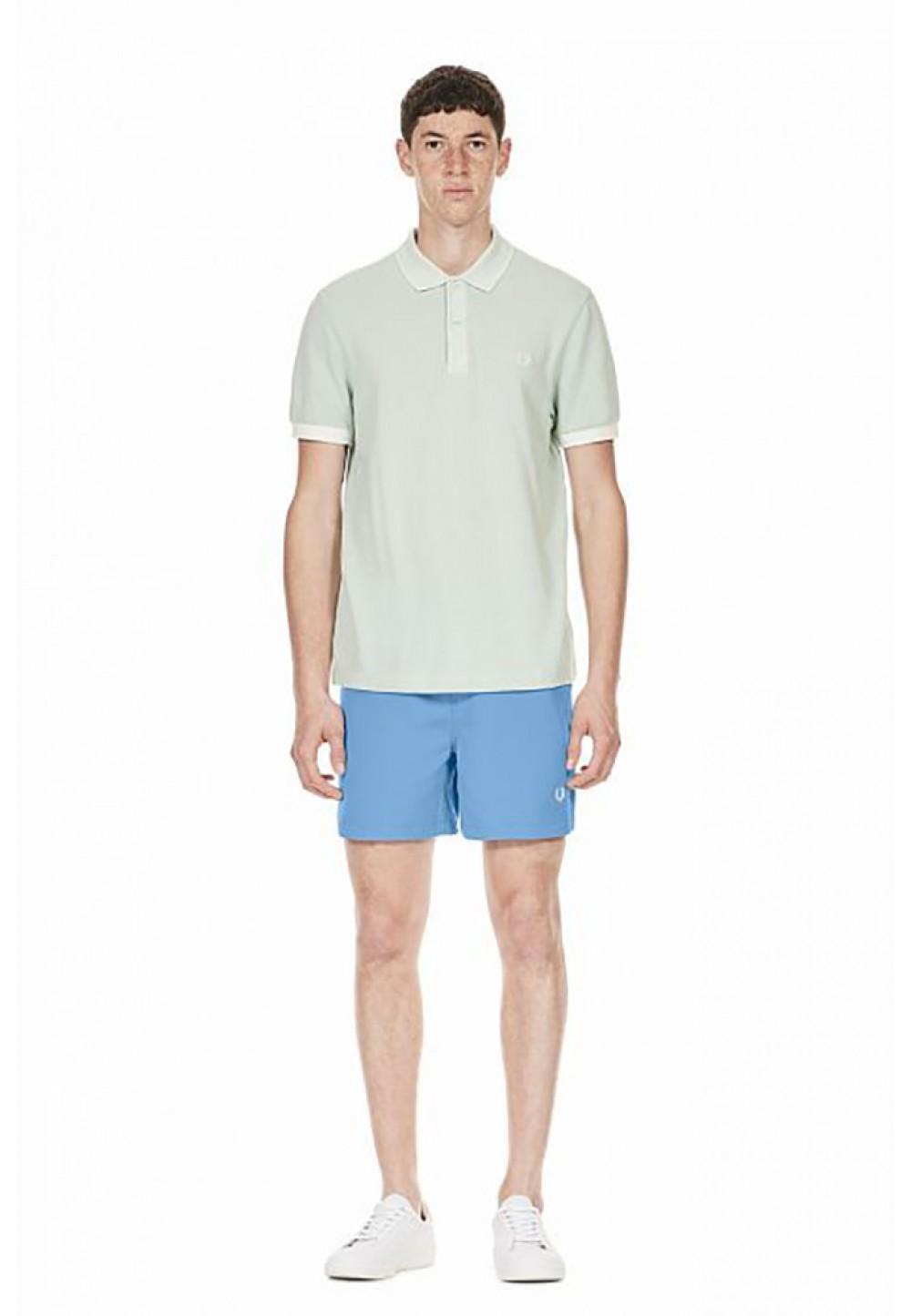 Голубые шорты с вышивкой