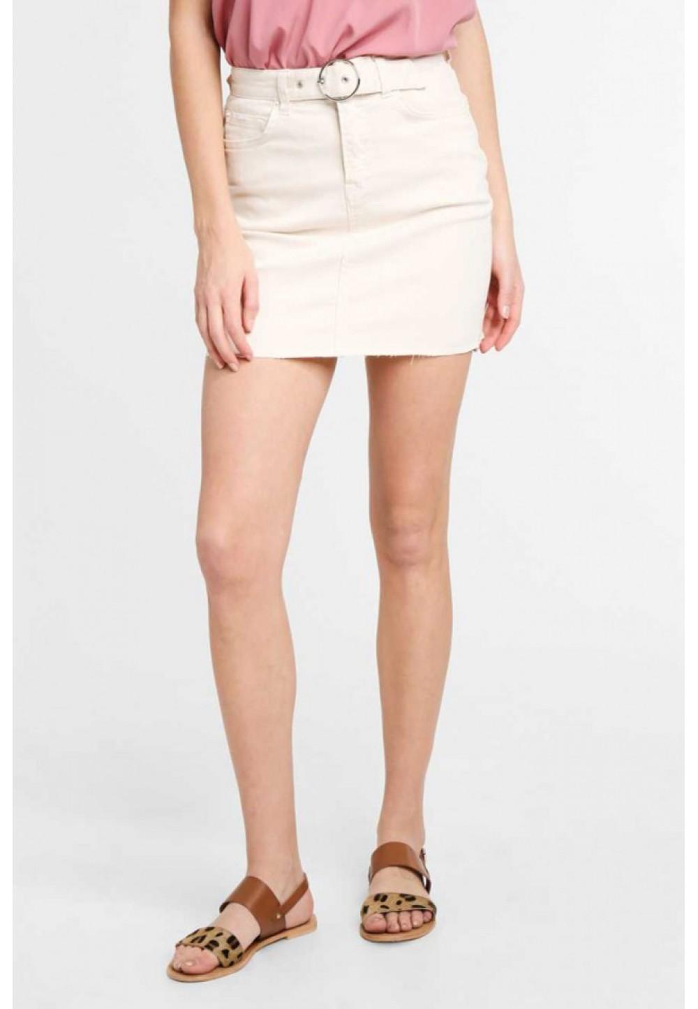 Короткая бежевая юбка