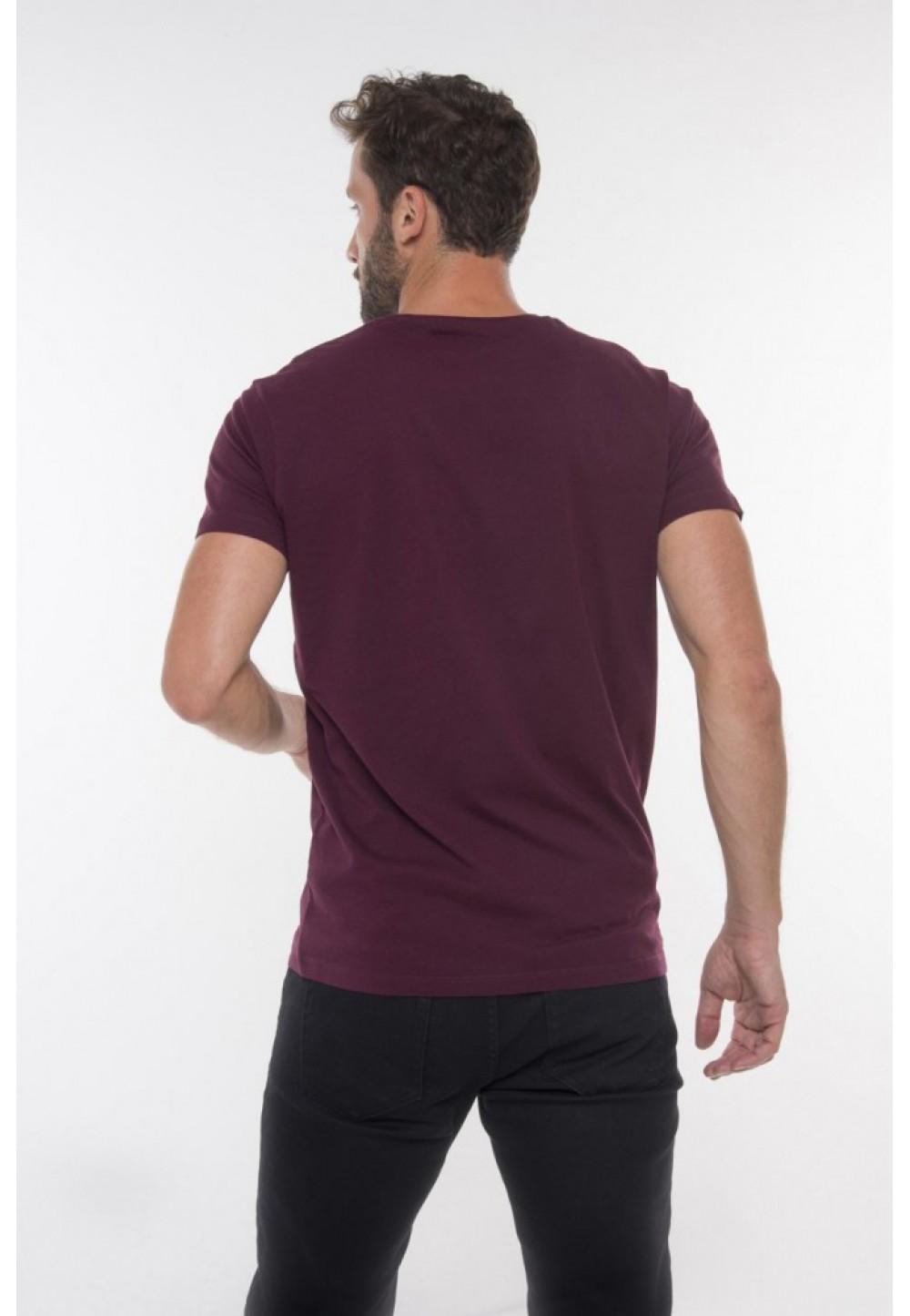 Бордовая классическая футболка