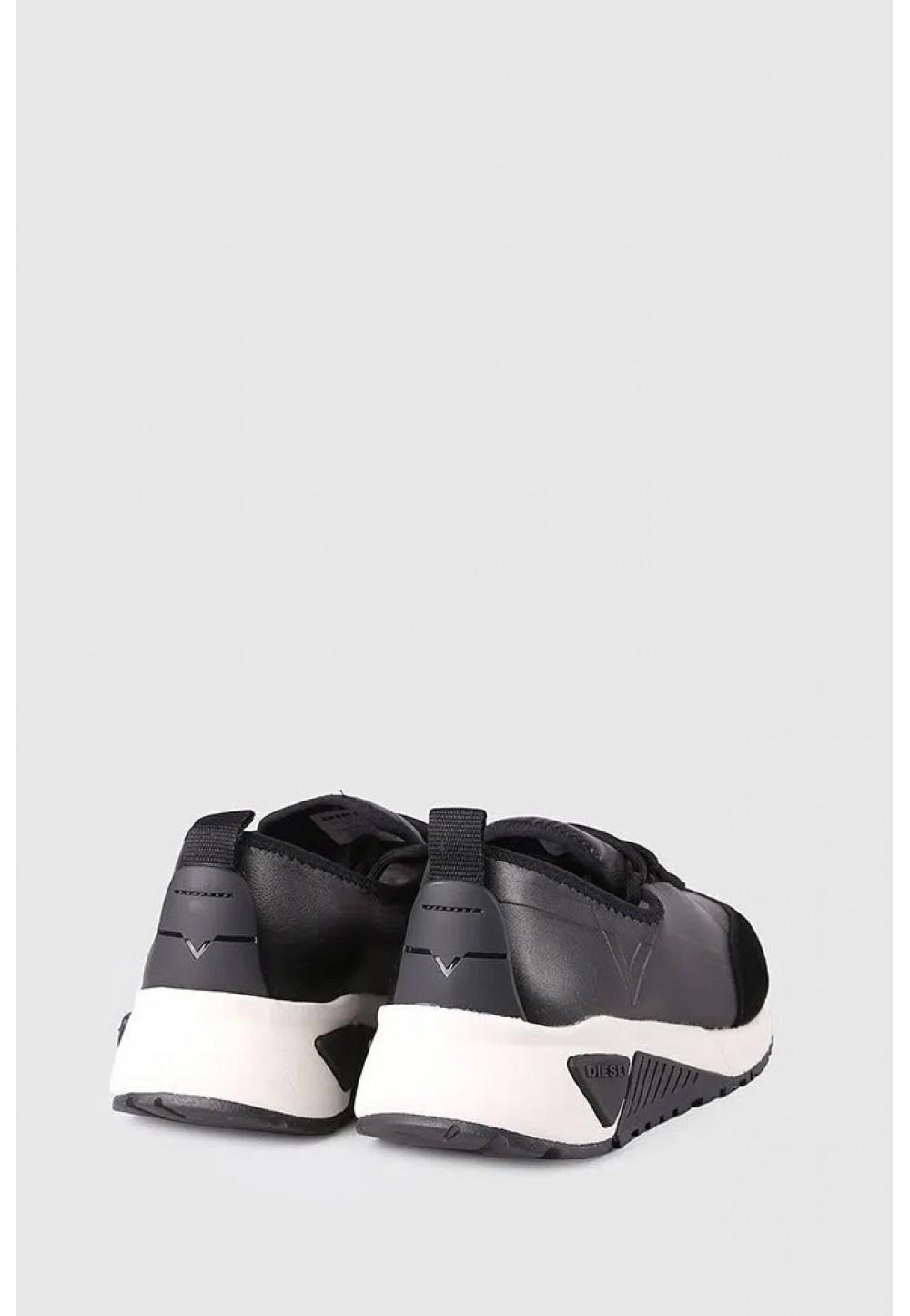 Кожаные черные кроссовки
