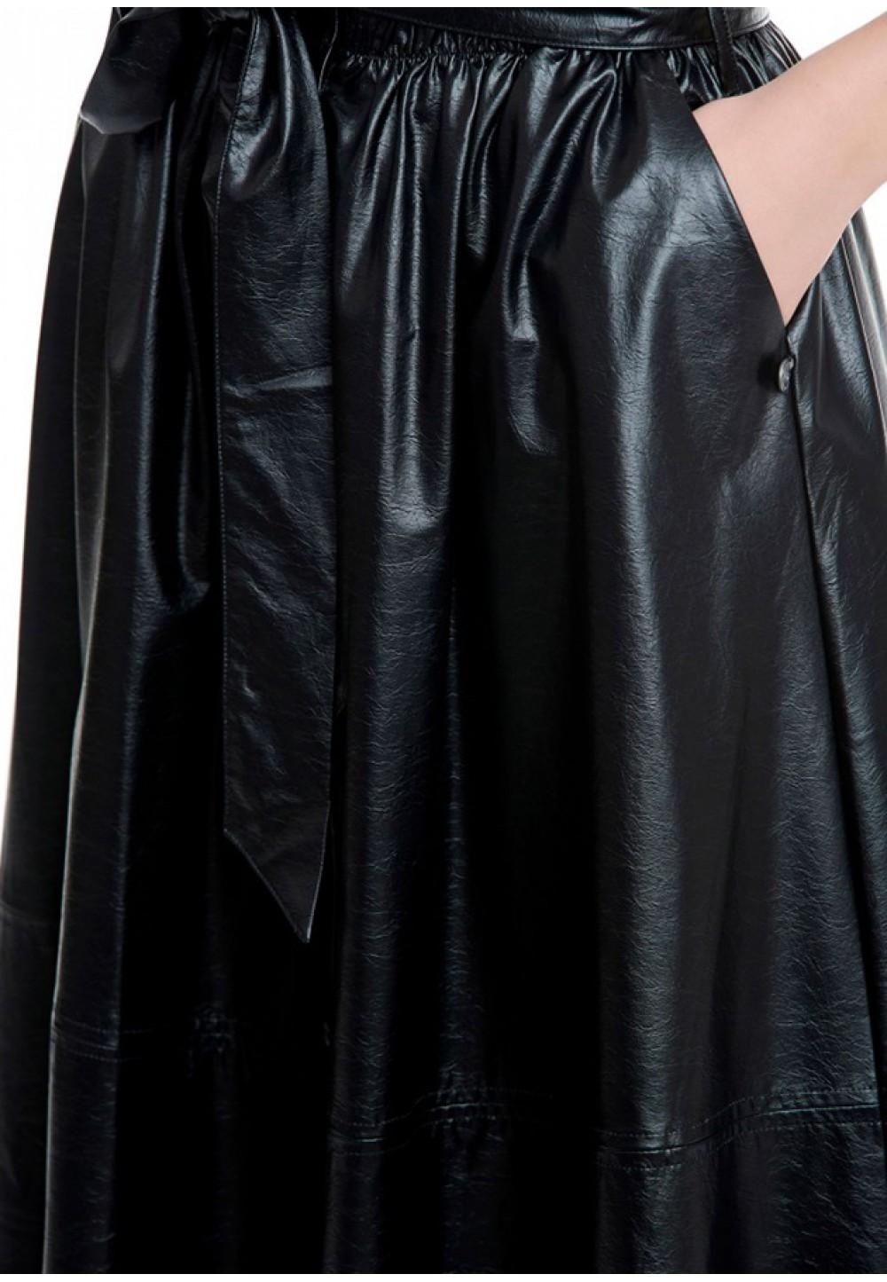 Стильная юбка ниже колена черного цвета