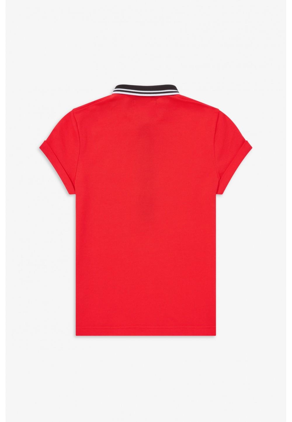 Красное поло с вышивкой