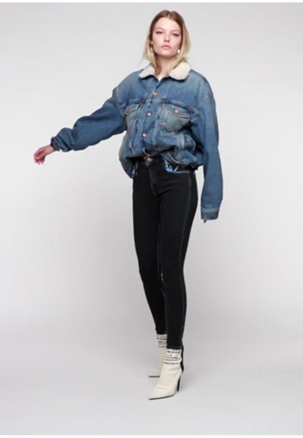 Черные узкие джинсы