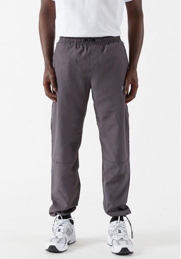 Стильные брюки с эластичными манжетами