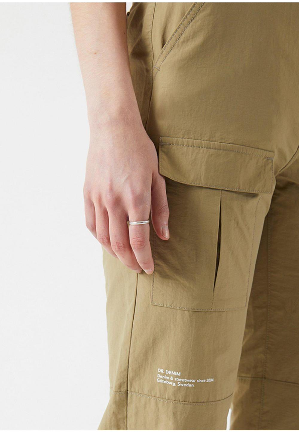 Свободные женские брюки с эластичными манжетами