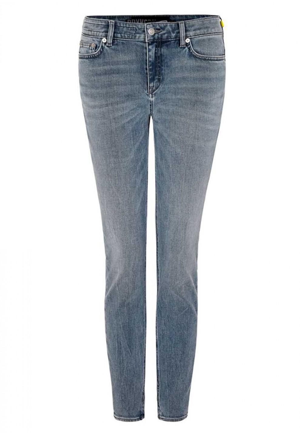 Укороченные женские джинсы