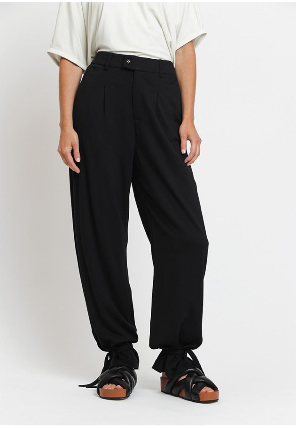 Стильні чорні штани