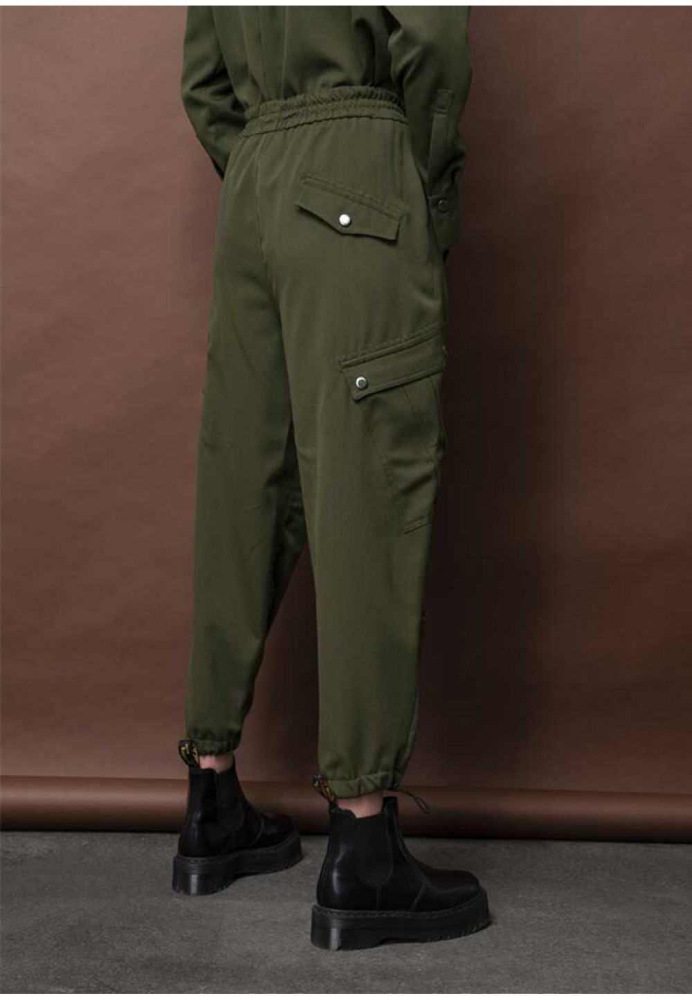 Женские брюки цвета хаки