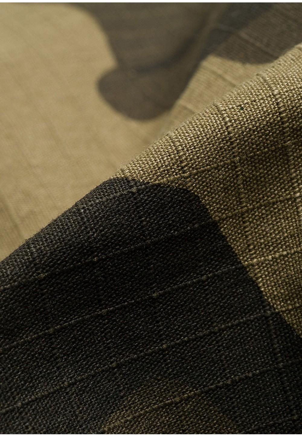 Стильные камуфляжные брюки