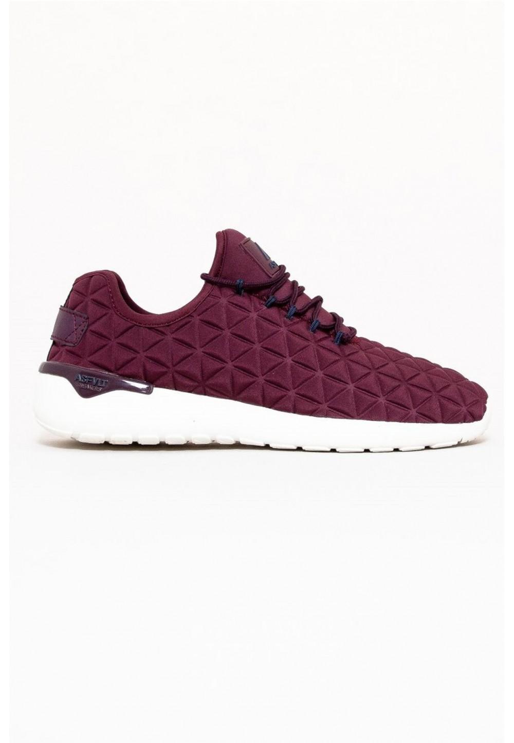 Стеганые кроссовки