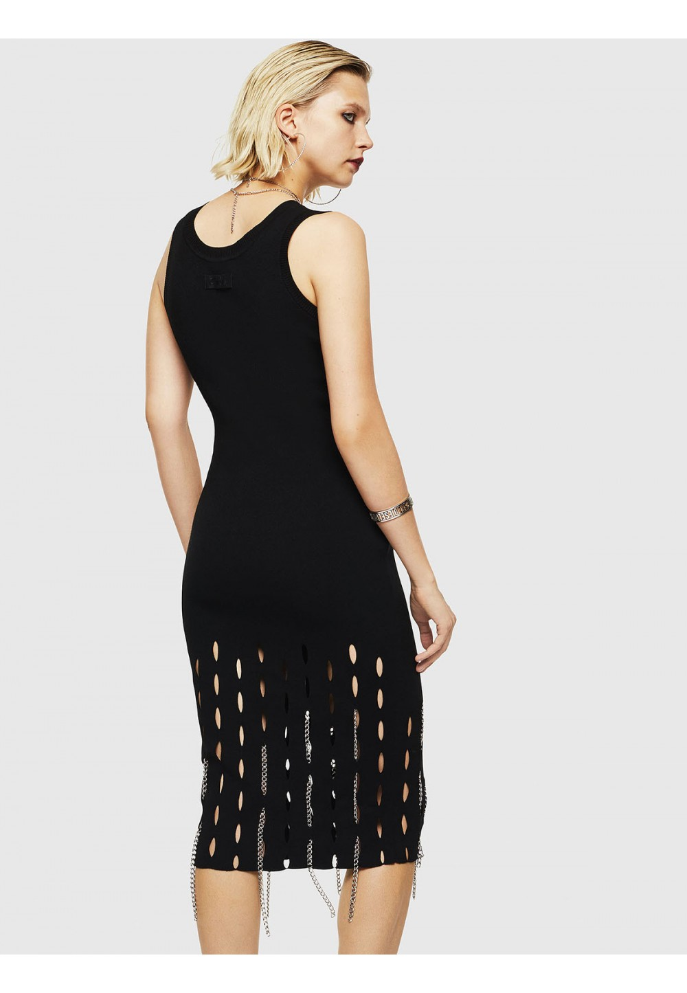 Черное стильное платье