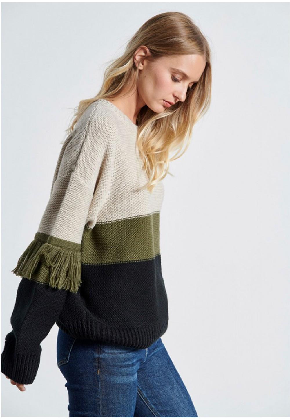 Теплий смугастий светр