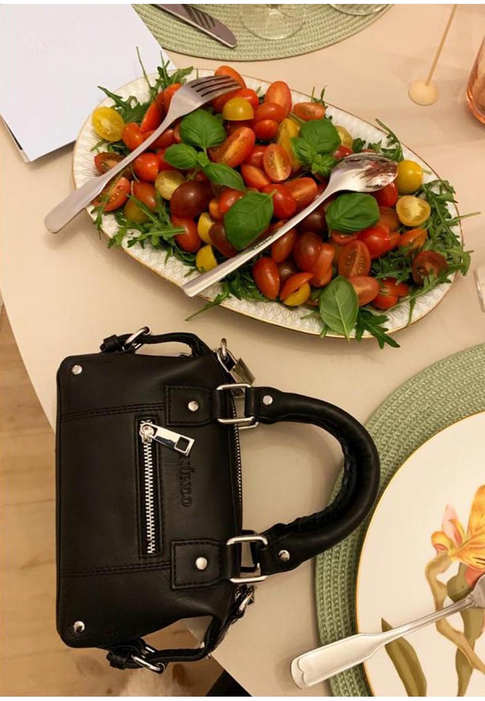 Маленька чорна жіноча сумка Mini Bobby pure
