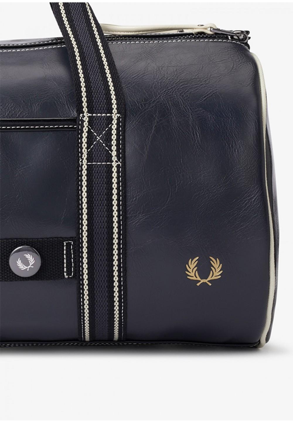 Сумка-бочонок чорного кольору з логотипом