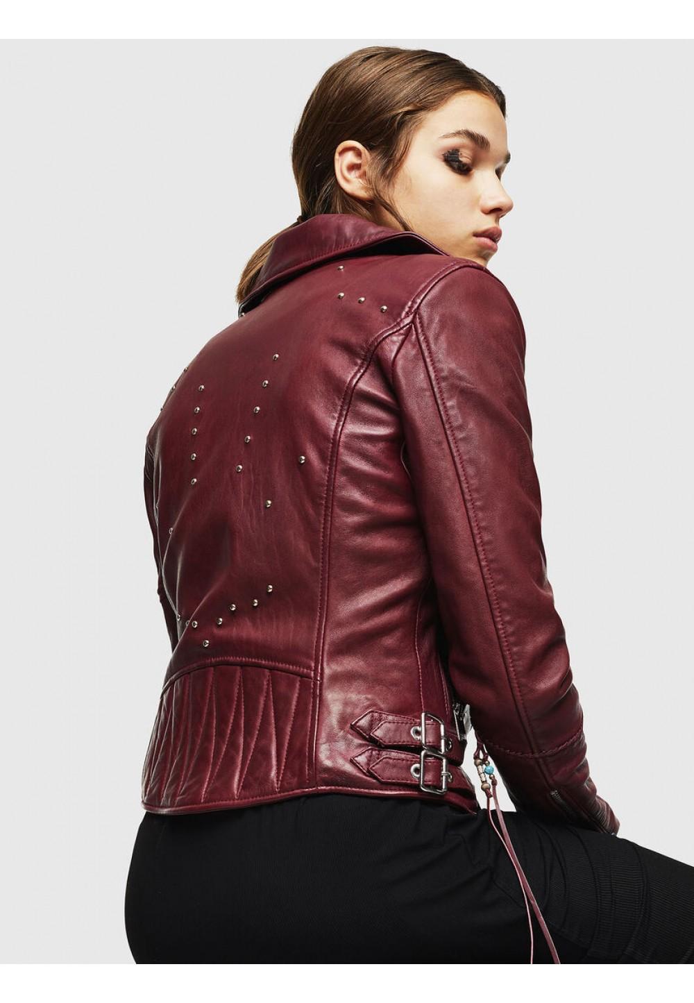 Байкерская куртка из кожи с шипами