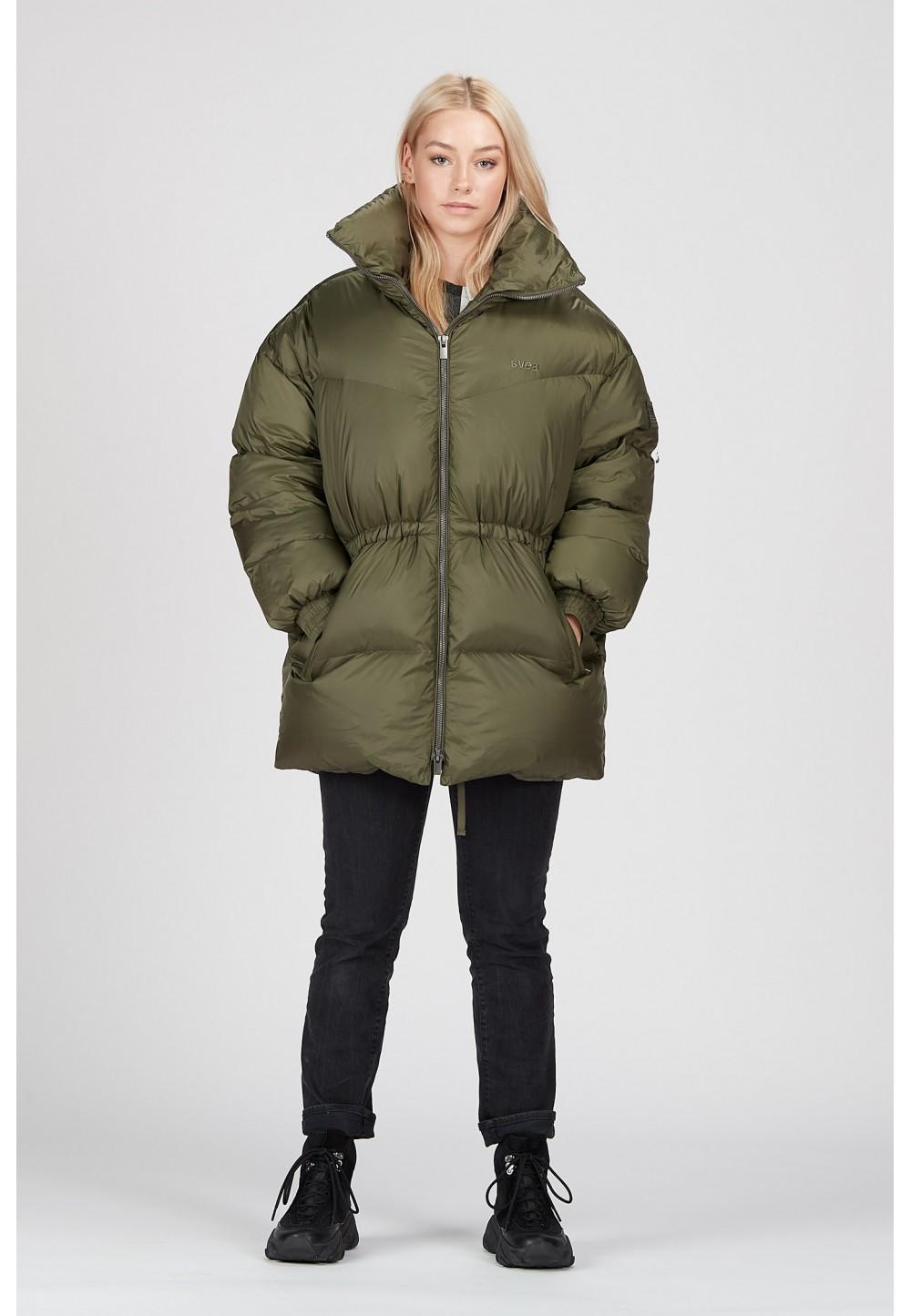 Теплая куртка свободного кроя цвета хаки